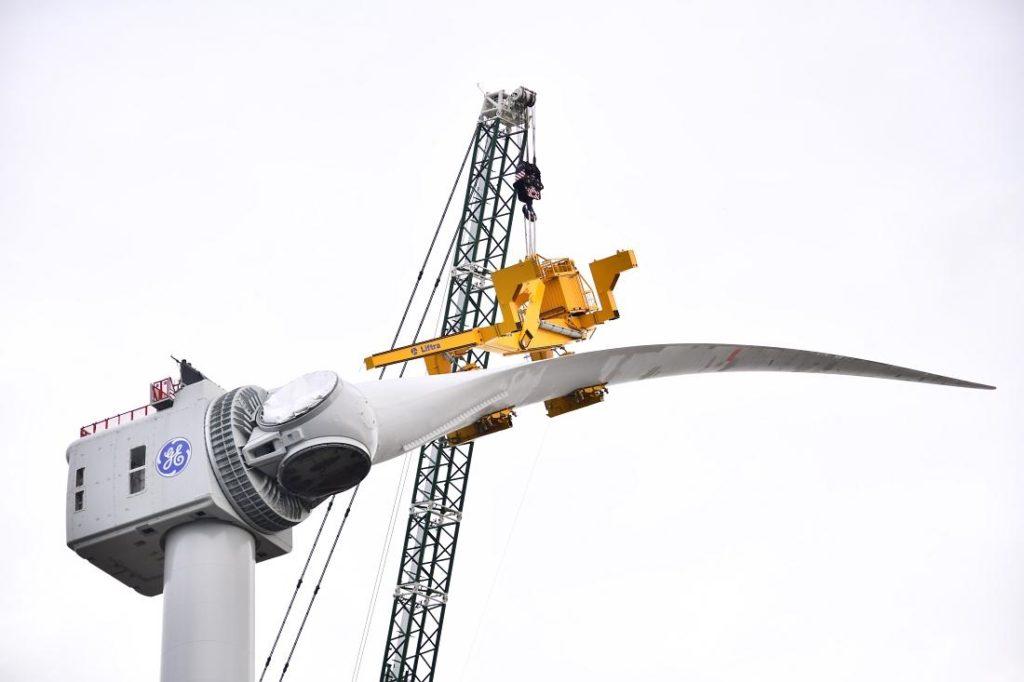 Installation of GE Haliade's blades has started!